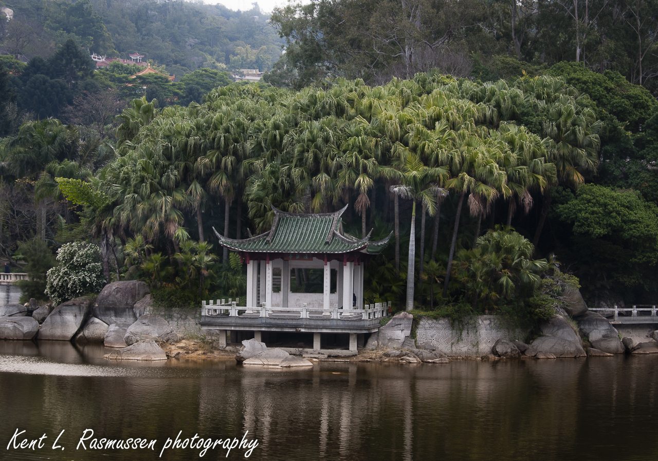 Small Cottage by the lake in Xiamen, China
